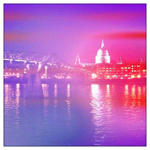 watching at Millenium Bridge - London No Flash Blanko Film Watching