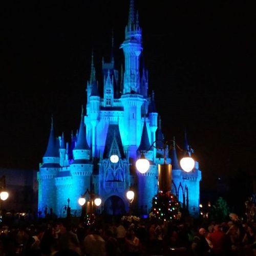 Disney DisneyWorld Disneyside Elsa Frozen Dmvmc Verymerrychristmas This place never gets old.