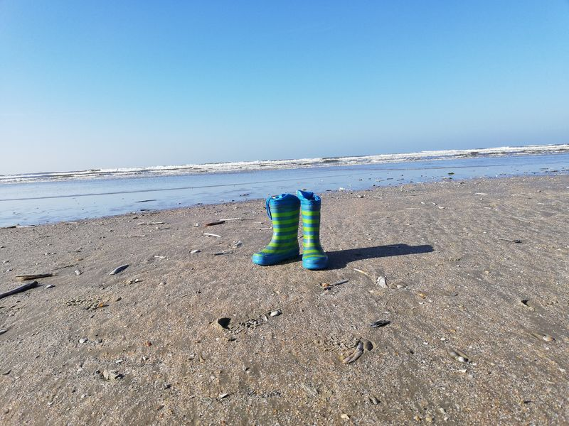 Strand Sommer Summer Rømø No Filter No People Kein Filter Sun Meer Nordsee Himmel Gummistiefel  Lonely Einsam Barfuß Schuhe  Shoes Lonely Shoes Urlaub