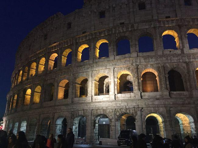 Colosseum Colosseo Monuments Monument Monumenti Importanti Monumenti_italia Monumenti_storici Monumenti Colosseo Di Notte The Architect - 2017 EyeEm Awards Moving Around Rome