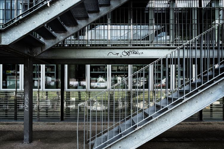 Kryptisch ... Urban Perspectives Architectural Feature The Devil's In The Detail Architectural Detail On The Way Urban Photography Streetphoto_color Architecture_collection Street Photography Urban Geometry Architectural Design No People Staircase Railing Metal Architecture Built Structure Steps And Staircases Architecture And Art Hand Rail Stairs Stairway Steps The Architect - 2018 EyeEm Awards