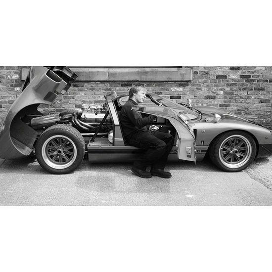 Tuning: Fordracing Gt40 Local Forecourt garage mechanic capturingbritian_bnw racecar supercarsofcheshire congleton cheshirelife 16x9 vscouk