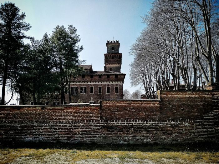 Chignolo Po, Marzo 2019 Hdr_Collection Outdoors Castle Wall Trees Sky Historical Site Historical Building Built Structure Architecture Building Exterior