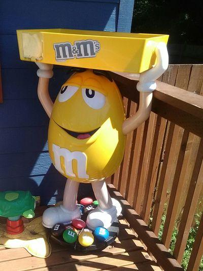M&M,life size 🍭🍯🍏🍑🍆🍊🍇🍓🍒 Enjoying Life The Essence Of Summer Street Food Worldwide My Favorite Breakfast Moment