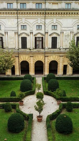 Architecture Built Structure Building Exterior Palace Façade Statue Grass Water Sculpture Outdoors Italian Landscapes Classical Architecture Italian Style Architecture Italian Garden Growth Top View Window View Nature Ancient Architecture Historical Building Historical Monuments History Museum  Museum Yellow Facade