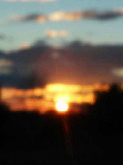 Keep It Blurry Sunset_collection Out Of Focus Having Fun Goldenhour Blinded By The Sun Zoomeffect