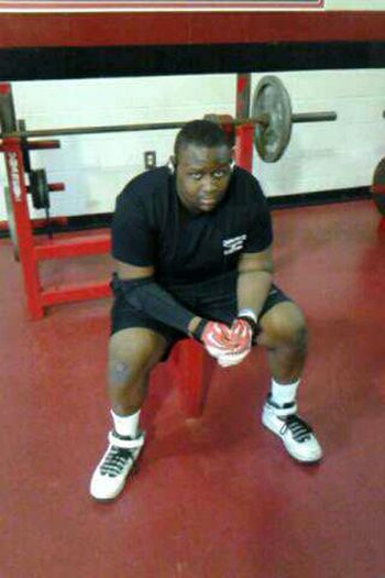 excuse my ashy knee lol Weight Room