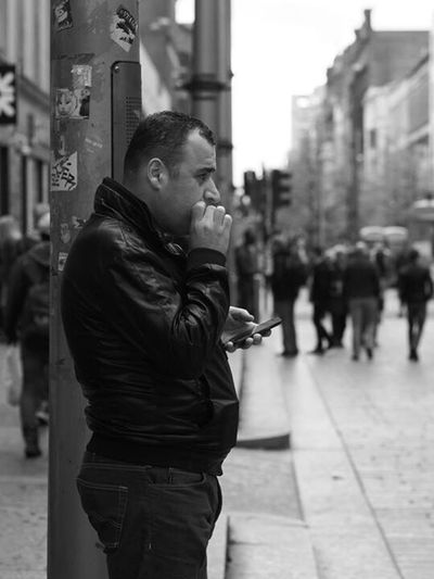 Smoke break Up Close Street Photography Streetphotography Street Photography Street Monochrome Mono Black And White Blackandwhite Photography Smoking Upclosestreetphotography