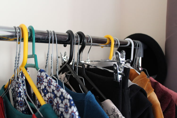Coathanger Hanging Rack Indoors  Clothes Rack No People Choice Clothing Minimalism Capsule Wardrobe Still Life Focus On Foreground Retail  Closet Coat Hook Declutter Dresses Clothes Close-up In A Row Collection