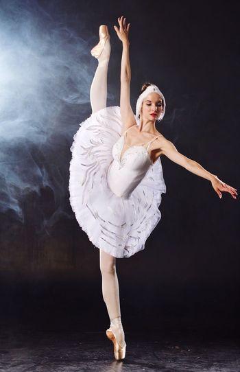 Модель - Алина Веселова Ballet Dancer Mariinsky Theater Elégance Full Length Beauty Ballet Human Body Part Flexibility Arms Raised Happiness Vaganova Academy Performance Studio Shot Boobs,