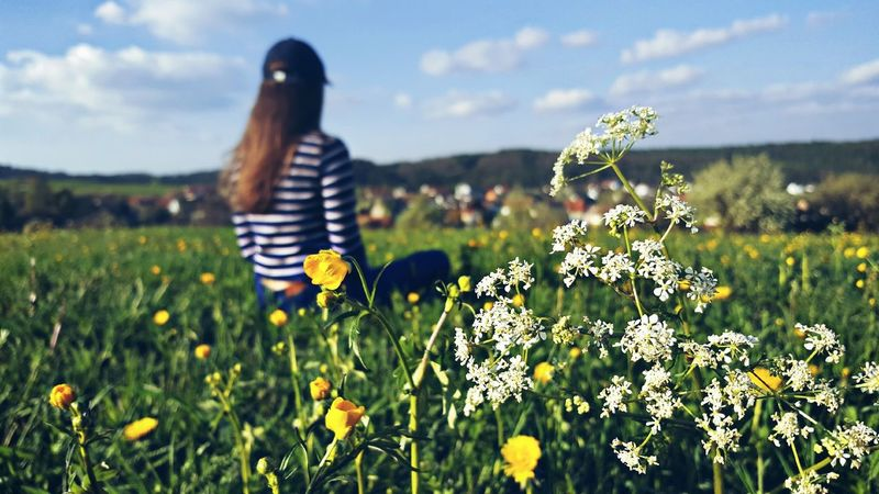Flower Nature Meadow Adult Wildflower Uncultivated Only Women Plant Beauty In Nature Grass Growth Field Outdoors Day Poppy Cloud - Sky One Person Adults Only Women Leisure Activity GERMANY🇩🇪DEUTSCHERLAND@ Real People Outdoor Photography Beauty In Nature Photographer