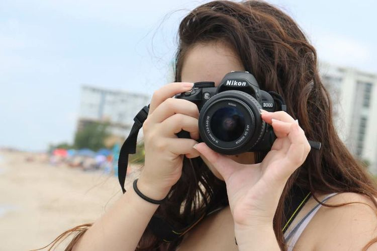 Only Women Young Adult Headshot Long Hair Young Women One Person Brown Hair Photography Themes People Photographing Holding Camera - Photographic Equipment