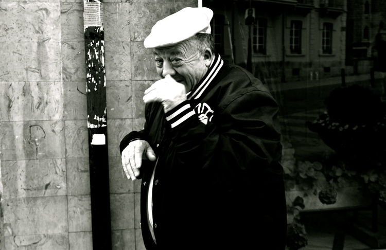 Astorga Beret Black & White Casual Clothing Could  Discover  EyeEm Gallery Jacket Leisure Activity Lifestyles Mónica Nogueira. Nice Outdoors People Person Shy SPAIN Street Photography Traveling
