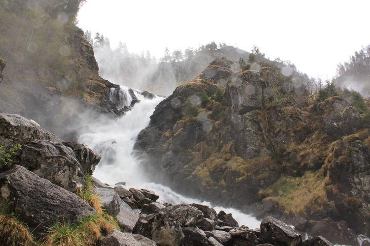 Water flowing over the rocks - låtefoss