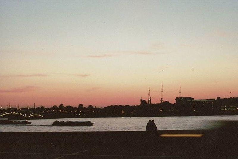 любовь Санкт-Петербург Закат нева Неваневаневаневажно Ночь Olimpus 35mmfilmphotography 35mm
