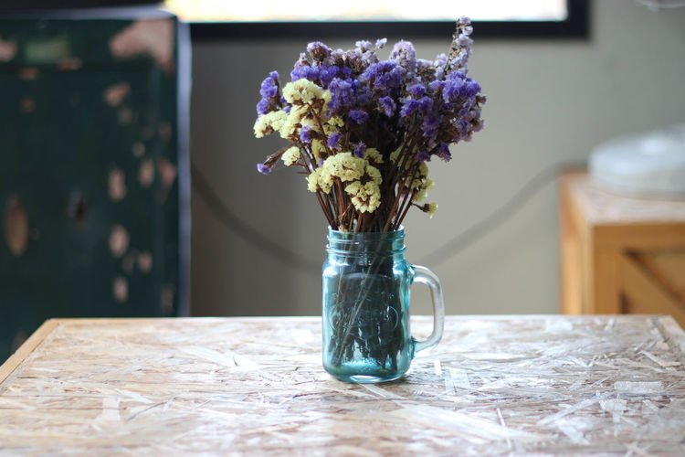 Blossom Bouquet Close-up Day Flower Flower Arrangement Flower Head Fragility Freshness Horizontal Indoors  Kitchen Nature No People Setting The Table Table Vase