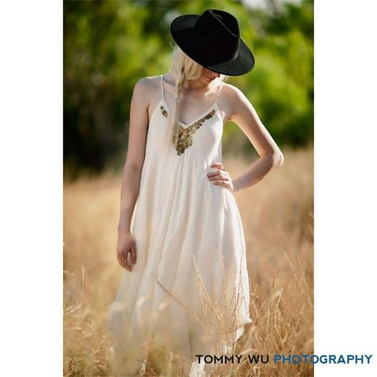 Summer afternoon, styling Seanpstyles , @kitkatrees MUA @slappingfaces Femalemodel Rustic Romanticimage whitedress