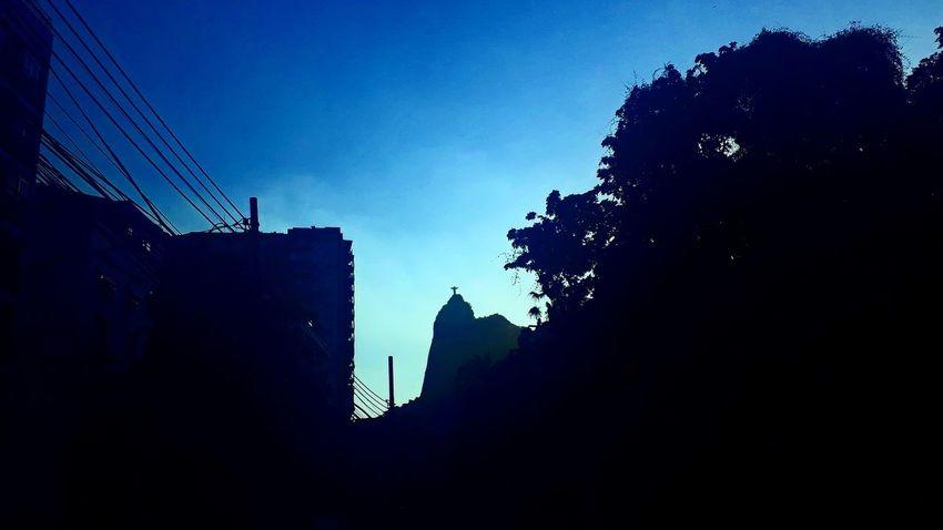 La de cima... Rio De Janeiro J7primephotography Brazil EyeEmNewHere City Silhouette Blue Sky Architecture Building Exterior Tall - High Urban Skyline