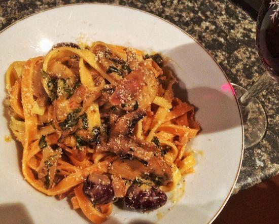 Ita🇮🇹2 Esp🇪🇸0 Yippee Fresh Pasta PortabellaMushroom Oragano Cream Vino Parmigiana Italian Food Fungi Freshness Nomnombomb Fresh Spinach Italian Cuisine Enjoying A Meal Basil