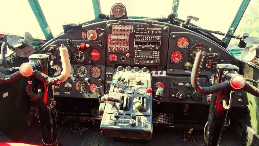 Cockpit Antonov