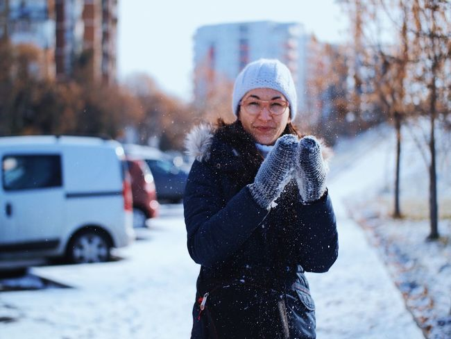 Snow applause ❄️ 👏🏻 Vacations Winter In The City City Life Wintertime Mood Happiness Delight  Happy Mittens Urban Snowflakes Gloves Applause Winter Cold Temperature Snow Warm Clothing Weather One Person Real People Lifestyles City Beautiful Woman Looking At Camera Winter Coat Street Front View Standing Outdoors Fashion Stories