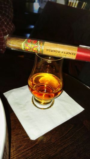 Cigars Drinks Bourbon Whiskey Cigarlovers Cigars After Dark Cigars And Whiskey