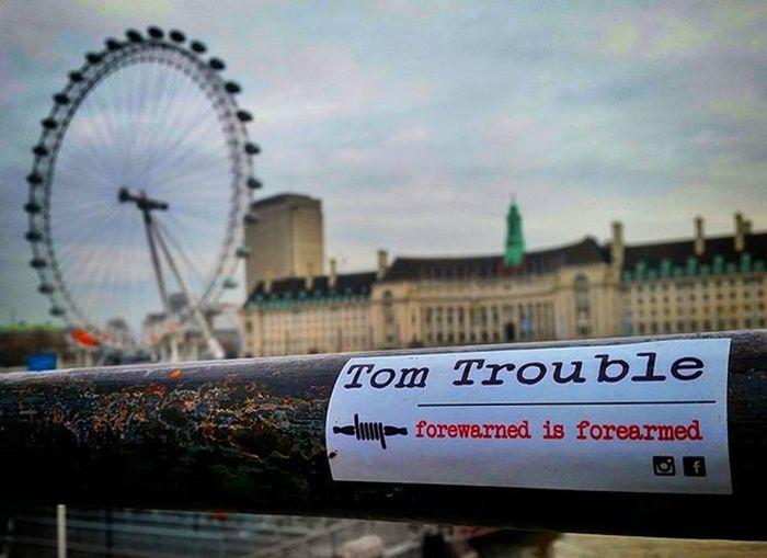 Londoneye Tomtrouble Salerno Forwarnedisforarmed LondonEye Thames Riverthames River London Cityhall Londoner Stickers Sticker