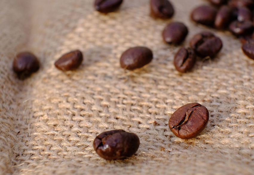 Beans Blurred Background Coffee Beans Coffee Break Indoors  Jute Sack Lifestyles Lines And Shapes Macro Beauty Raw Materials Single Bean Still Life Vertical Lines