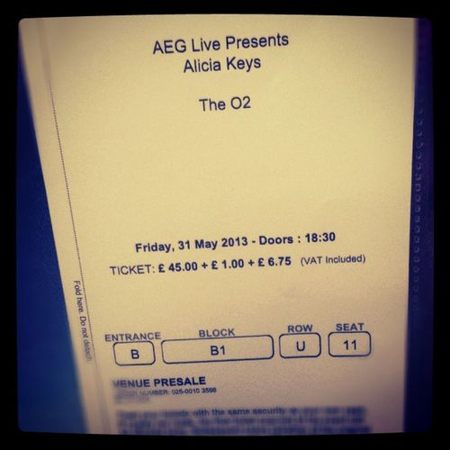 Omg the excitement!!! Presents Hubby Sexytime Aliciakeys Ak  TheO2 Gig Girlonfire May Excited Love Womancrush Happy London LDN
