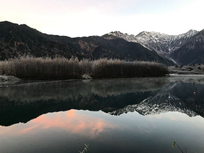 Mountain Range Pond Reflection Natural Beauty Early Morning Sunrise Morning Glow Colors Tranquility Scenics Outdoors Cold Temperature Early Winter Snow Water Landscape Beauty In Nature EyeEm Nature Lover Nature Nature Photography Japan Photography Eye4photography  Perspectives On Nature Postcode Postcards