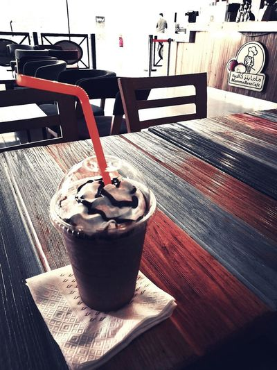 https://youtu.be/HgzGwKwLmgM 🥤☕🎶 Having A Good Time! EyeEmNewHere EyeEm Gallery B&W Collection Taking Photos Good Times Out With Family Coffee My Photography Photo Of The Day Drink Cafe Table Iced Coffee Coffee - Drink Frothy Drink Coffee Cup Close-up Food And Drink Mocha
