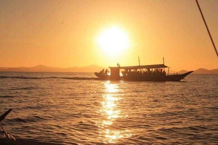 sunshine is going down nice an slow Seeing The Sights Eyeem Philippines Coron, Palawan Hello World 🌞☀👌👍🌅⛅