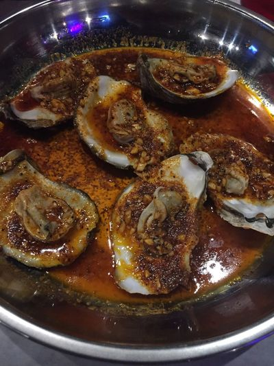 Steamed Oysters😩 Restaurant Juicy Crab Appetizer Seafood Lovers Oysters On The Half Shell Delicious Louisiana Food Food And Drink Freshness Ready-to-eat Wellbeing Healthy Eating Indoors  Serving Size Seafood Close-up