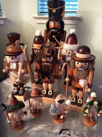 Lieblingsteil Indoors  Large Group Of Objects Figurine  Nutcrackers Erzgebirge Christmas Decoration Wood - Material Handmade IPhone 5 Photography