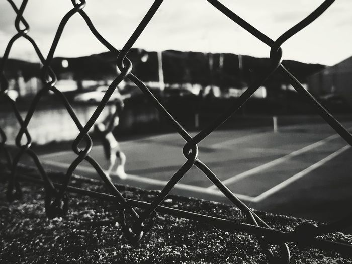 Do you play tenis with me? Playing Sport Nice Lovely Photography Photooftheday Photographer Photo Canon5Dmk3 Canon Good Shadow Blackandwhite Cool Landscape Like Winter Good Times EyeEm Selects The Graphic City Sand Love Light Colors Chainlink Fence Protection Safety Security Soccer No People Sport Baseball - Sport Outdoors Soccer Field Nature Sky Track And Field Stadium Court Day