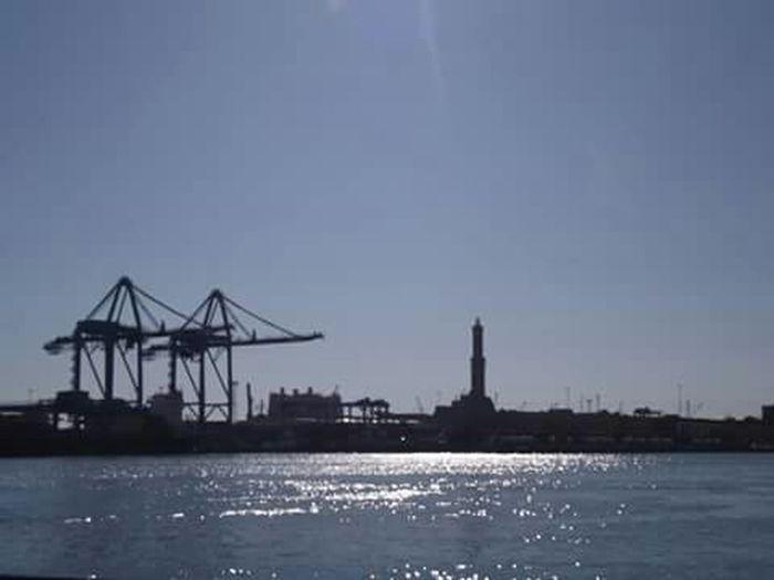 Relaxing Taking Photos Porto Antico,Genova On The Road Azul Genova Lanterna Di Genova