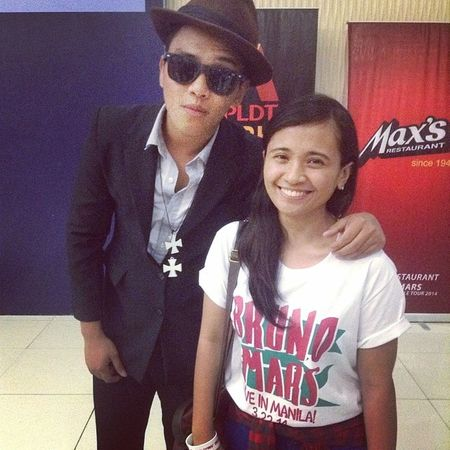 awesome date with Brunz last Saturday. haha. LOLJK. it's Bruno's look-alike. yeah! thank you for the photo op! ?? March22 GorillaInManila Moonshinejungletour