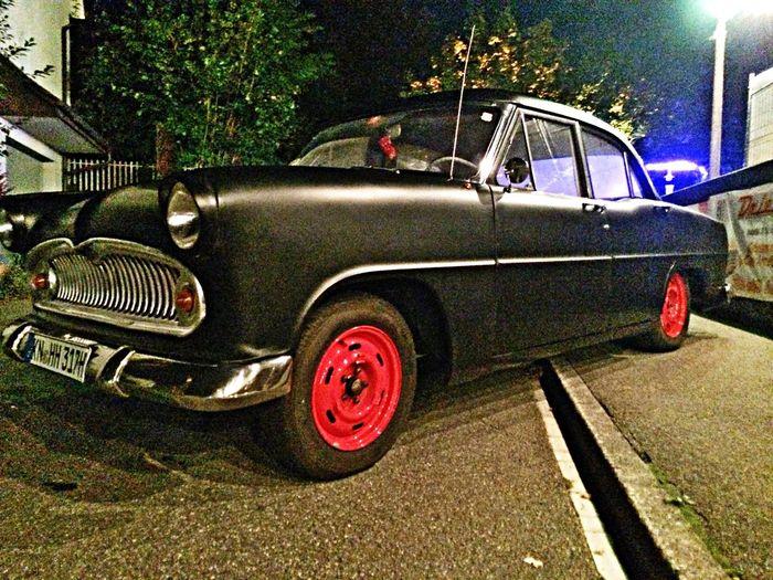 Tadaa Community Oldtimer Car black & red <3
