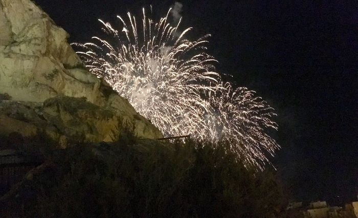 Fireworks Photography Santa Barbara Castle Behind Rocks Alicante Night 2016 Fotographie Night Fireworks Alicante My Favorite Tree Photo Collection