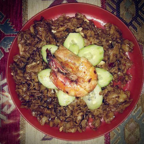 kueh tiaw goreng udang berbunga