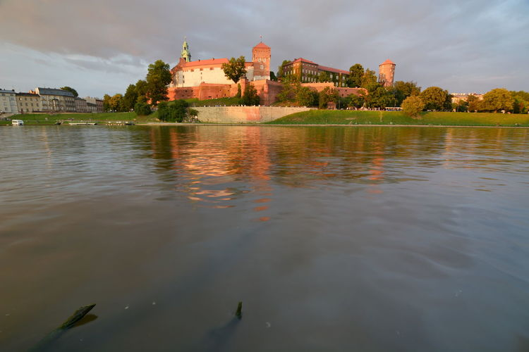 Wawel castle and Vistula river. Krakow. Poland Wawel Castle Wawel  Castle Castles Krakow Kraków, Poland Poland Vistula River Vistula Wisła River Europe Riverscape Riverside Water Waterfront Architecture Built Structure Building Exterior History The Past Outdoors Nature No People Cloud - Sky Polska Reflection