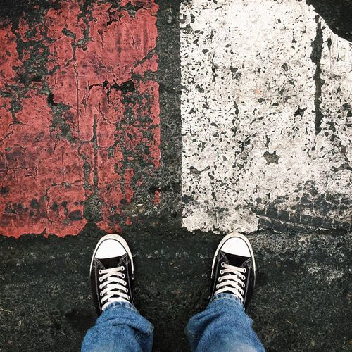 Foot Foot Selfie Shoes Shootermag Shoe Shoeselfie Asphalt Youmobile Standing Shoe Low Section Human Leg One Person Canvas Shoe One Man Only White And Red Red White White Color White Background Red Color Black Streetphotography Street Photography Street
