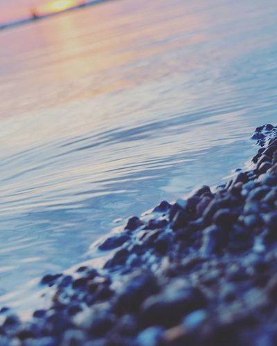 Wollen wir den tristen Tag mal ein wenig aufhellen: Bild vom Sonnenaufgang am Sonntag. 😏 | A photo of the sunrise on sunday. Sunrise Sunset Sonnenaufgang Sonnenuntergang Sundown Sunup Sonne Sun Stoned Stone Stein Baltic Balticsea Ostsee Wismar Mv_liebe Mvliebe Water Team_photunique