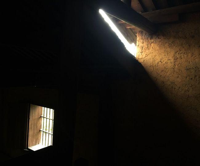 窗前 Indoors  Window Illuminated Low Angle View No People Night Architecture Built Structure Electricity  Close-up Paint The Town Yellow EyeEmNewHere