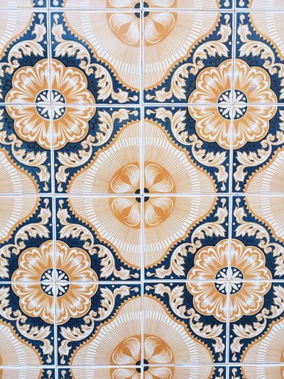 Tiles Portugal Tiled Wall Tiles Pattern Design Floral Pattern Full Frame No People Art And Craft Backgrounds Close-up Architecture Creativity Ornate Repetition Wall - Building Feature Tile