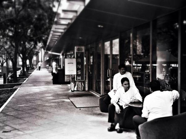 Streetphotography Streetphoto_bw The Press - Work Eye4thestreets
