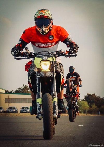 Wheelietime Stoppie Wheelie Headwear Transportation Riding Land Vehicle Lifestyles Ride Men Motorcycle Sports Race Road Sports Helmet