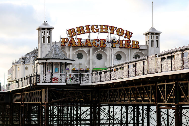 Brighton Palace Pier Brighton Palace Pier Brighton Brighton Beach Brighton Pier Brighton Uk Brighton And Hove BrightonPalacePier Christmas Day Christmas Beach Travel Travel Destinations Seaside No People Built Structure Sky Building City Day Railing Outdoors