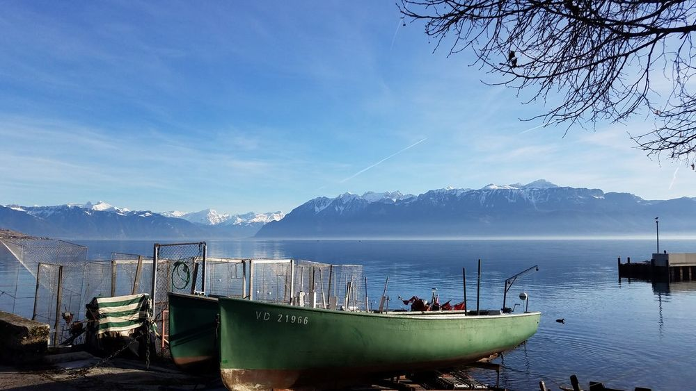 love boat Boat Bateau Peche Lakegeneva  Lake Lac Lacleman Water Outdoors Sky Nature Day No People Nautical Vessel