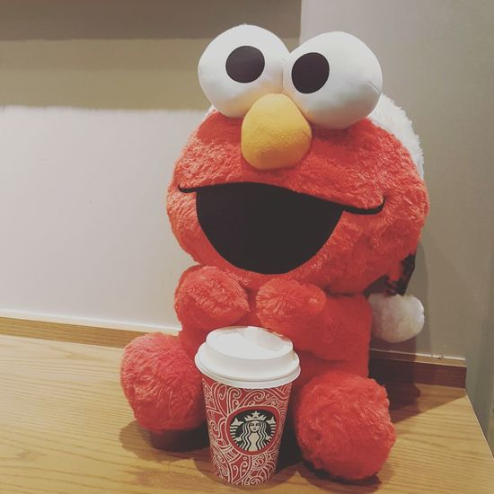 Santa Elmo with a cup of cappuccino Eye4photography  EyeEmBestPics Mobilephotography Coffee Coffeeaddict Coffeelover Coffeetime Coffeeholic Coffeeporn Coffee Culture Elmo Travelgram Osaka,Japan Starsbuckcoffee Universal Studios Japan Check This Out Travelphotography Taking Photos Popular Photos Cute Coffeeworlds